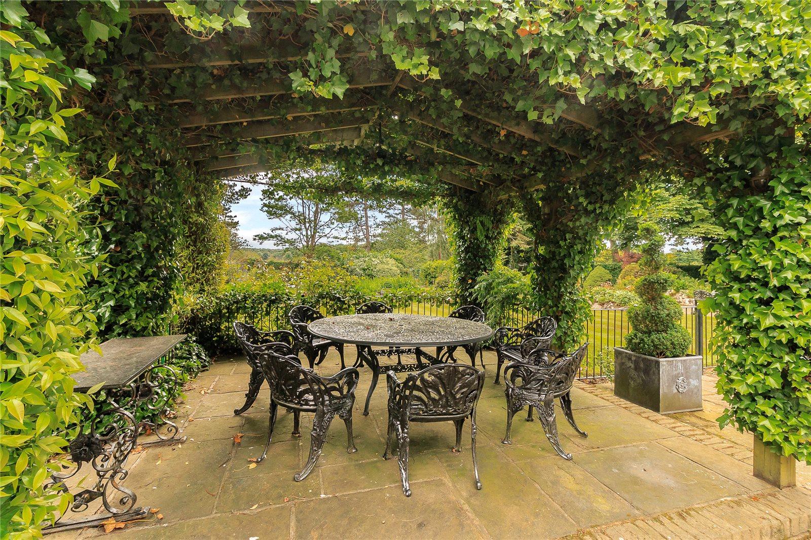 Additional photo for property listing at Chalfont Lane, Chorleywood, Hertfordshire, WD3 Chorleywood, England