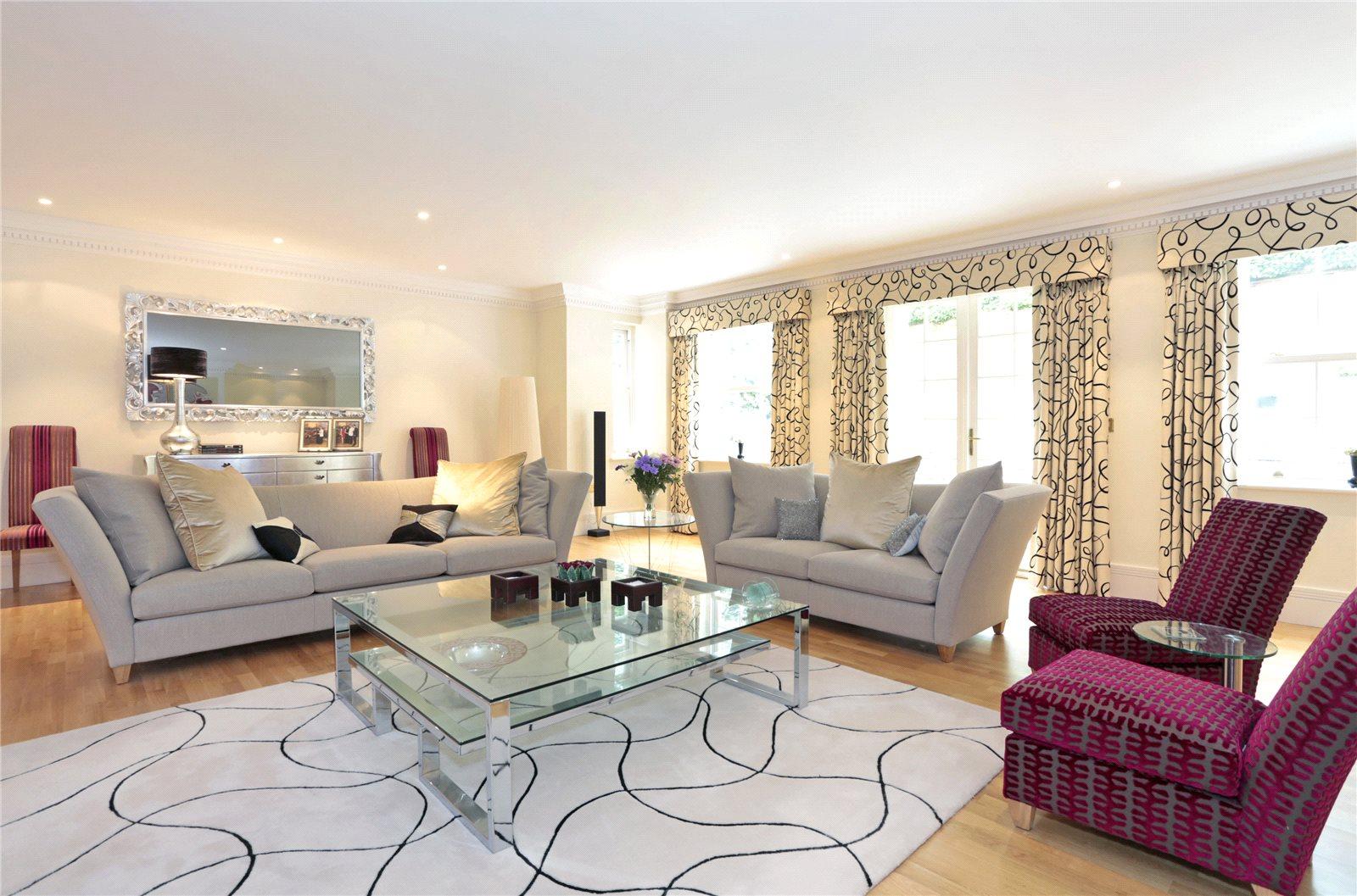 Additional photo for property listing at Top Park, Gerrards Cross, Buckinghamshire, SL9 Gerrards Cross, Inghilterra