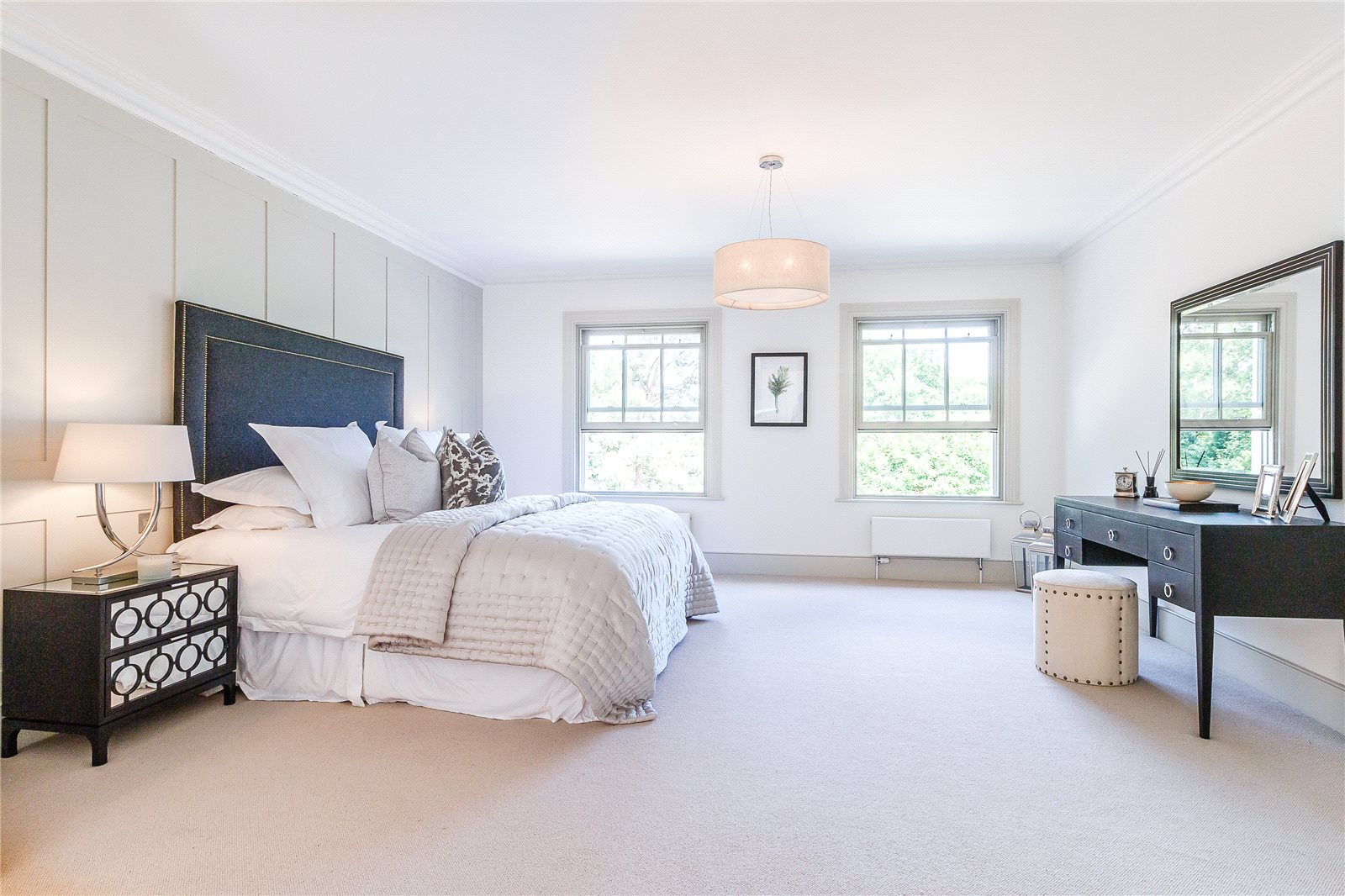 Additional photo for property listing at Camp Road, Gerrards Cross, Buckinghamshire, SL9 Gerrards Cross, Inghilterra