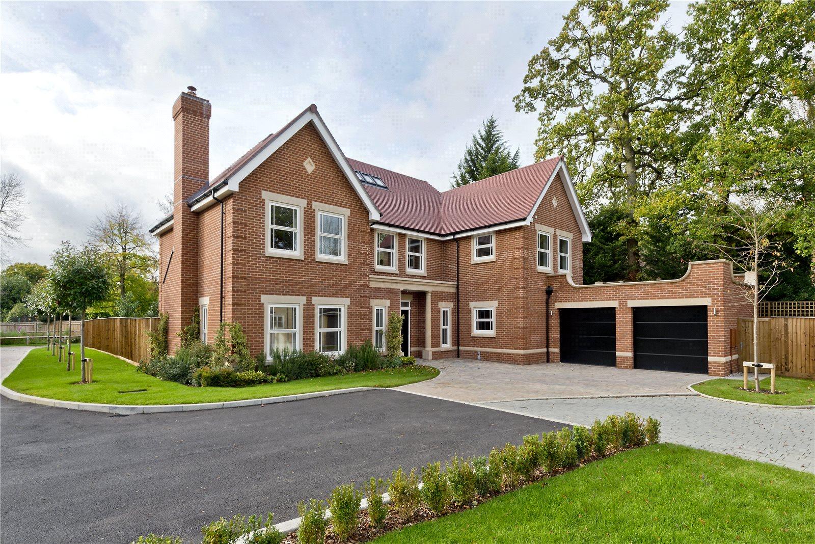 一戸建て のために 売買 アット Glade In The Spinney, Gerrards Cross, Buckinghamshire, SL9 Gerrards Cross, イギリス