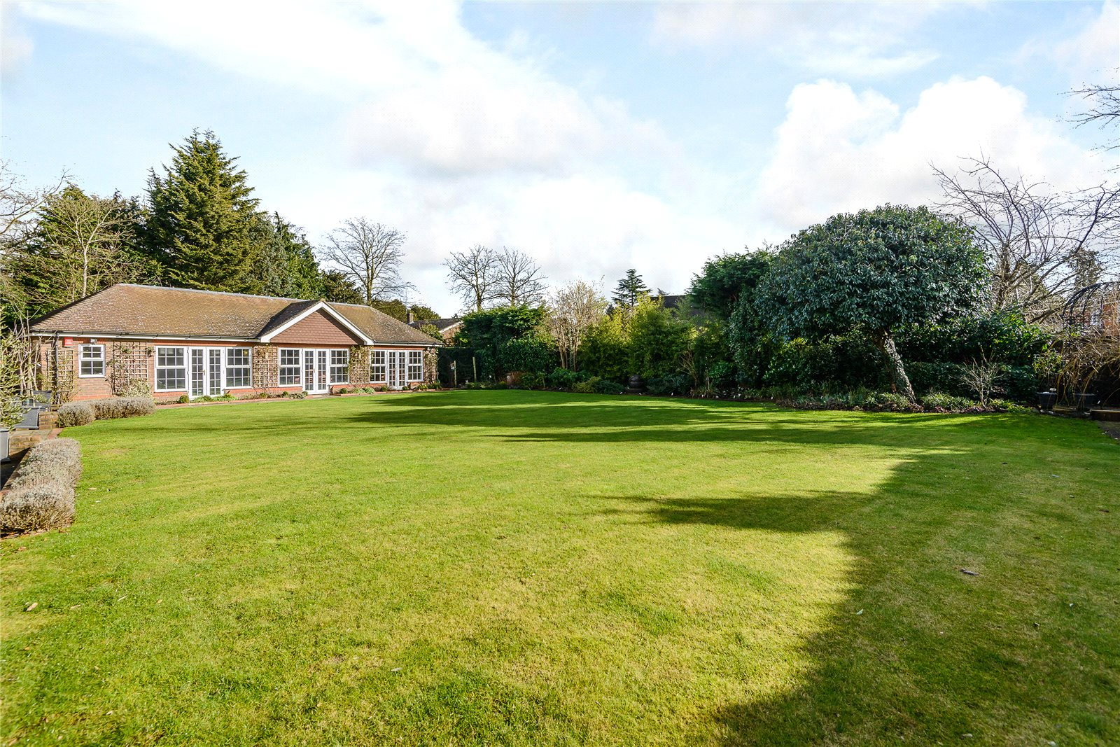 Additional photo for property listing at Camp Road, Gerrards Cross, Bucks, SL9 Ingiltere