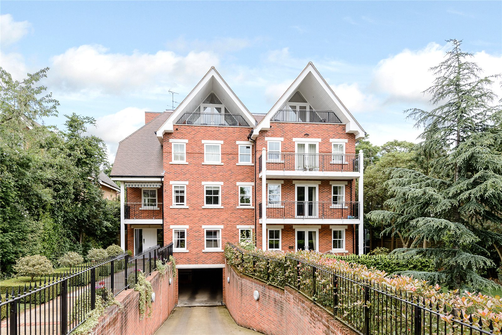 Appartement pour l Vente à Claremont Court, 76 Packhorse Road, Gerrards Cross, Buckinghamshire, SL9 Gerrards Cross, Angleterre