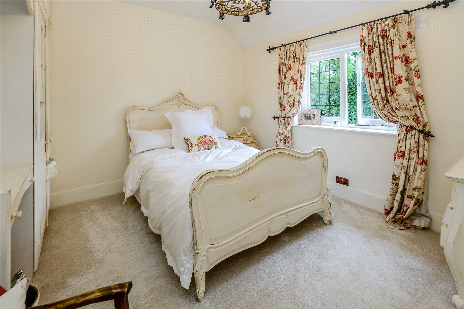Additional photo for property listing at Tile Kiln Lane, Harefield, Ickenham, Middlesex, UB9 Middlesex, Angleterre