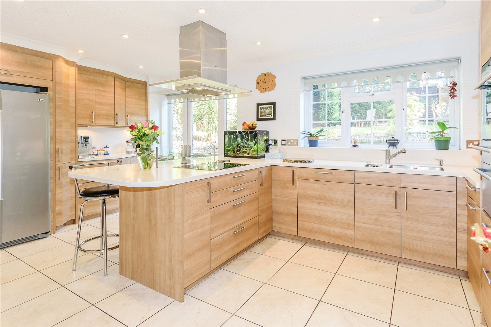 Additional photo for property listing at The Drey, Chalfont St Peter, Buckinghamshire, SL9 Chalfont St Peter, Angleterre