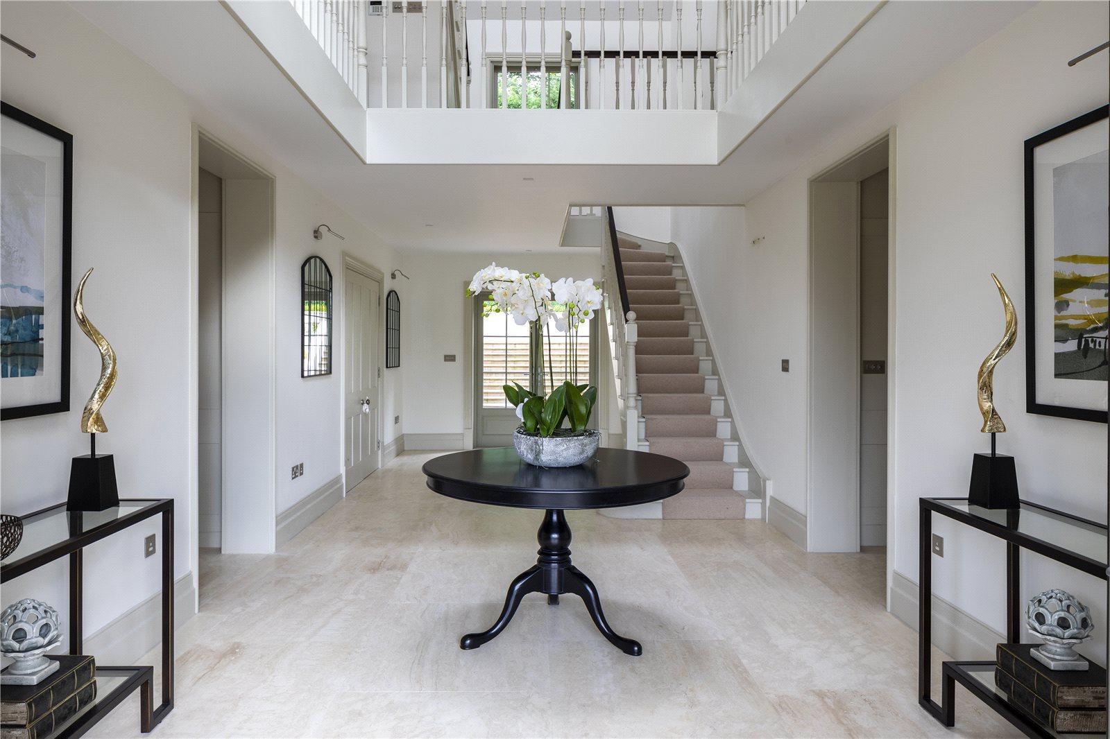 Camp Road Gerrards Cross Buckinghamshire Sl9 A Luxury Single Family Home For Sale In