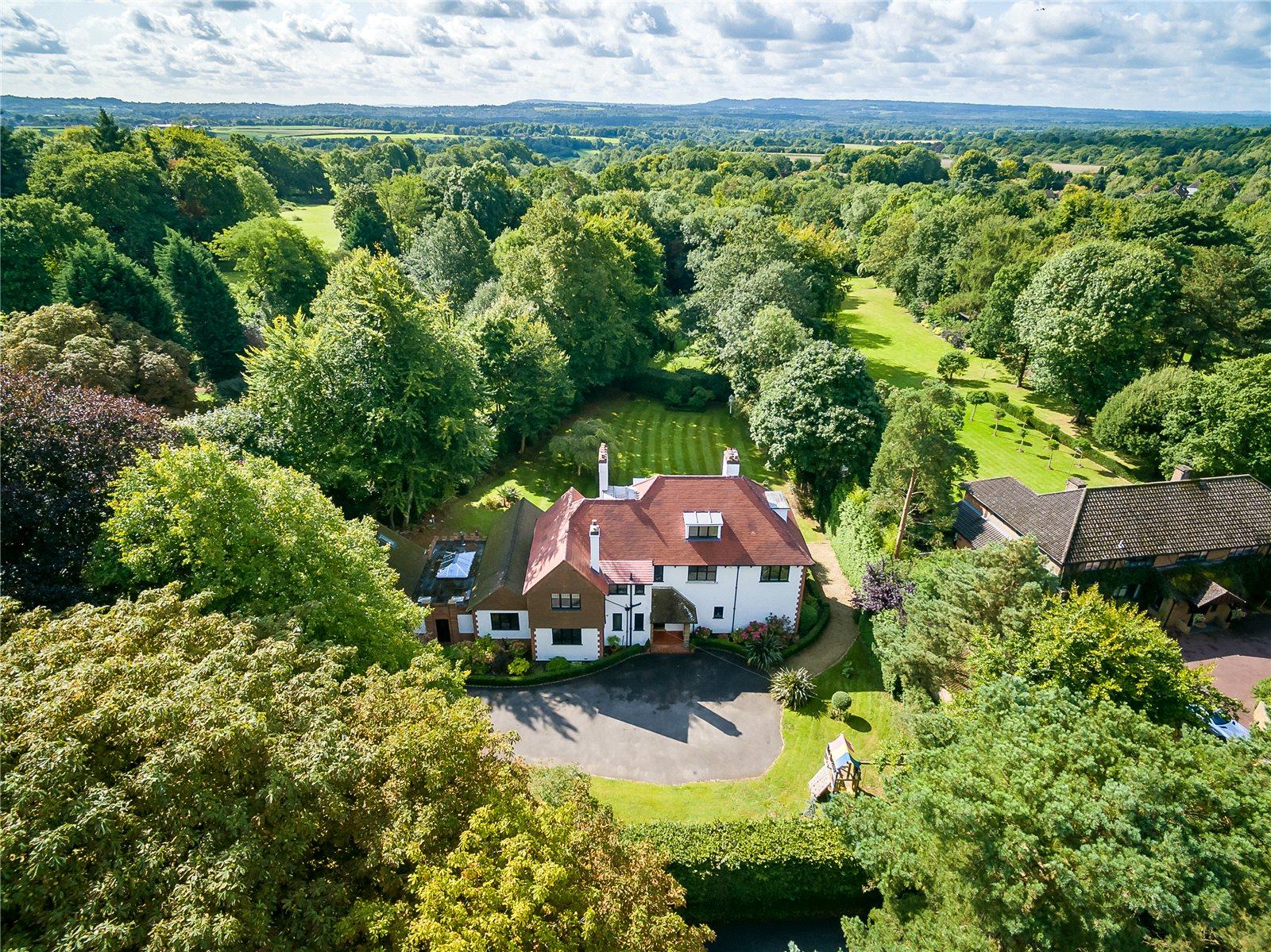 Villa per Vendita alle ore Hurtmore Road, Hurtmore, Godalming, Surrey, GU7 Godalming, Inghilterra