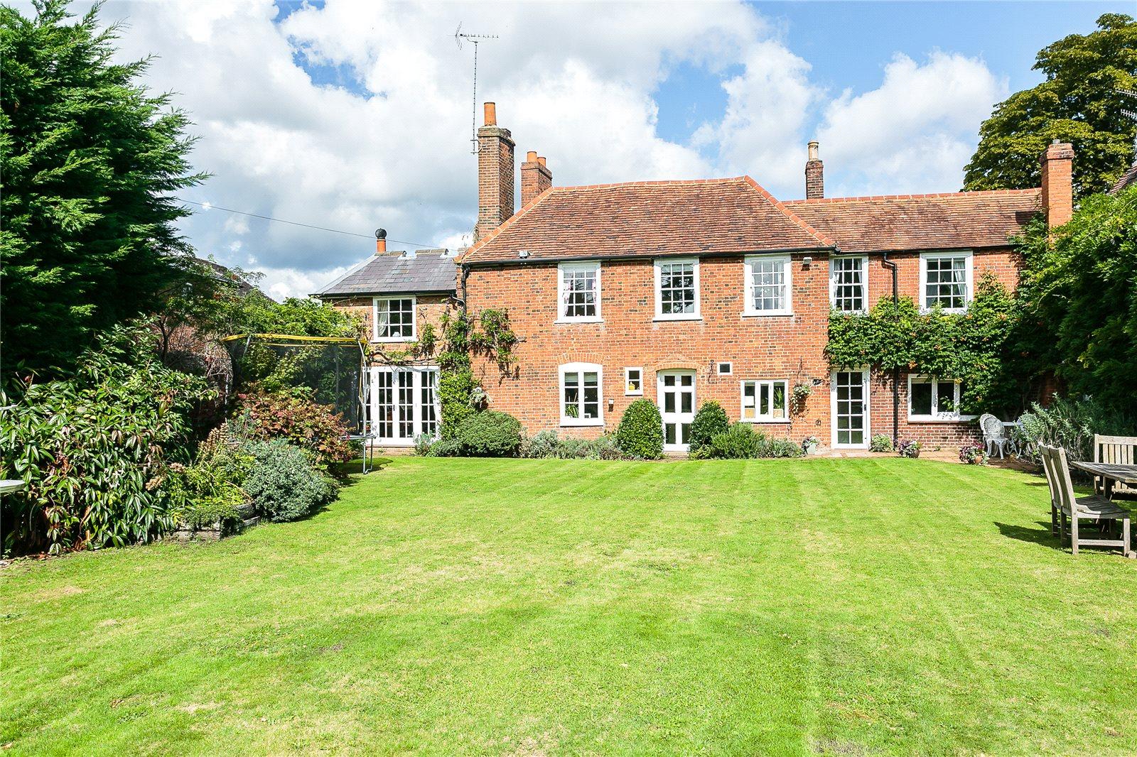 Villa per Vendita alle ore High Street, Ripley, Woking, Surrey, GU23 Woking, Inghilterra