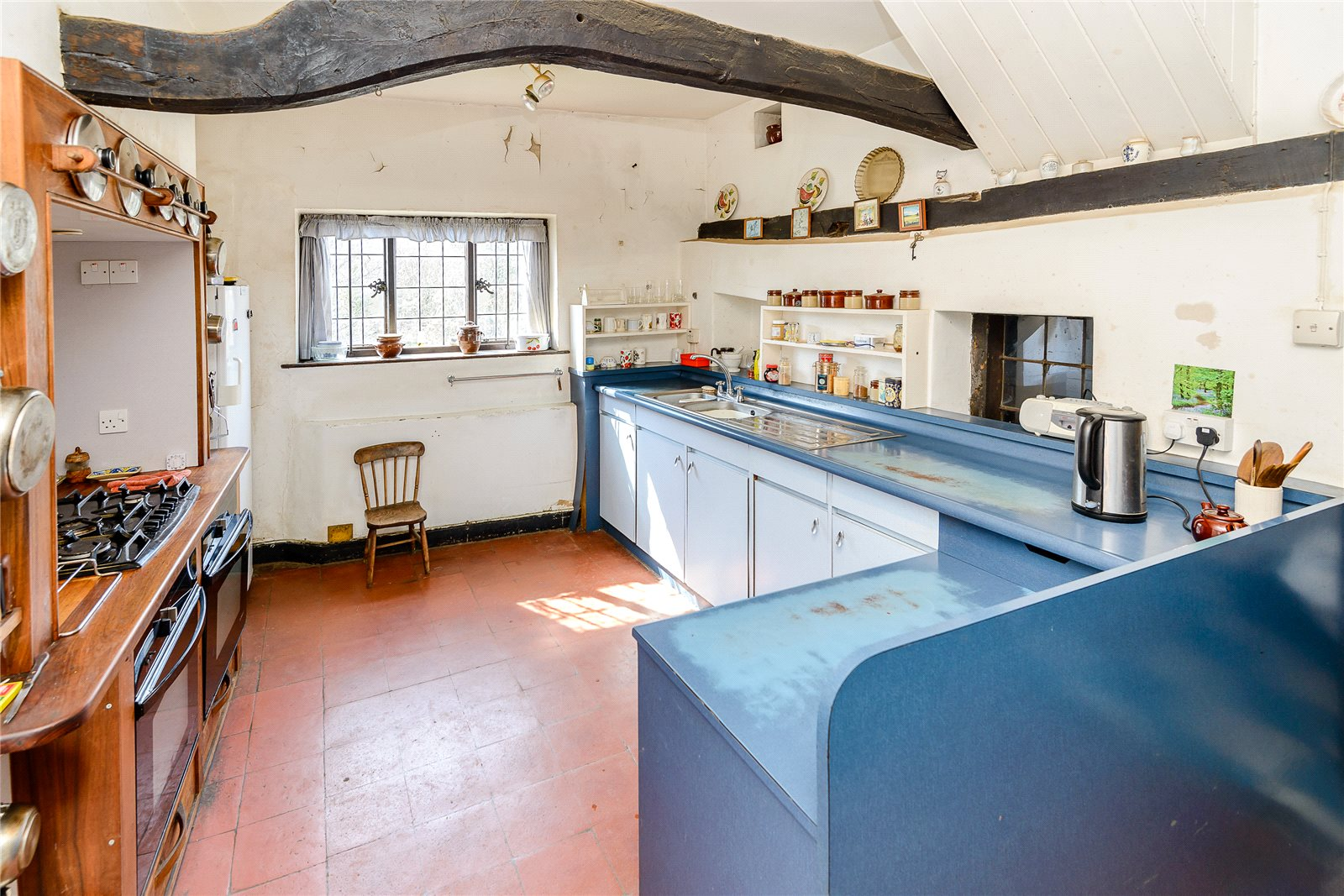 Additional photo for property listing at Old Hatch Farm, Dorking Road, Abinger Hammer, Surrey, RH5 Abinger Hammer, England