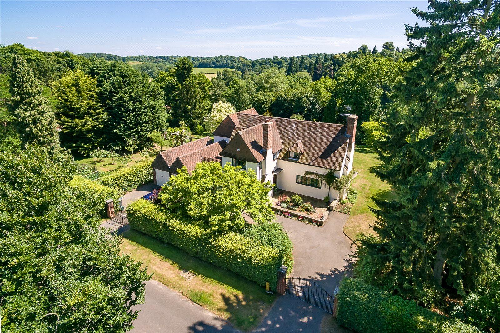 独户住宅 为 销售 在 Snowdenham Links Road, Bramley, Guildford, Surrey, GU5 Guildford, 英格兰