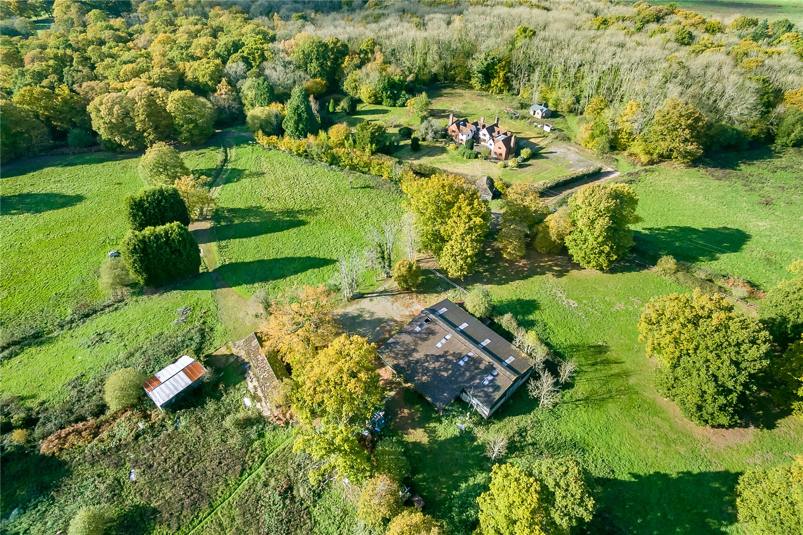 Villa per Vendita alle ore Horsham Lane, Ewhurst, Cranleigh, Surrey, GU6 Cranleigh, Inghilterra
