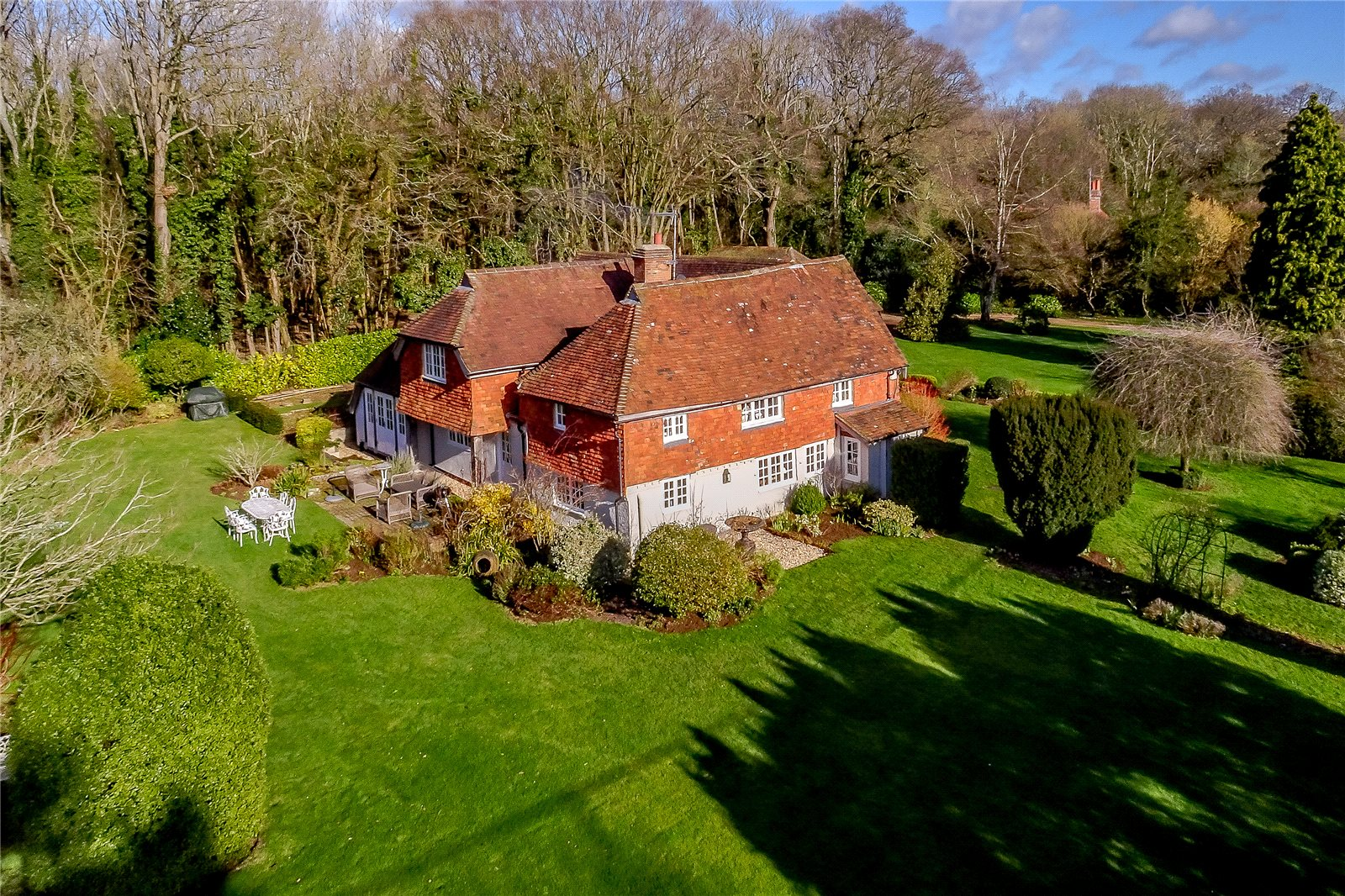 Villa per Vendita alle ore Hurlands Lane, Dunsfold, Godalming, Surrey, GU8 Godalming, Inghilterra