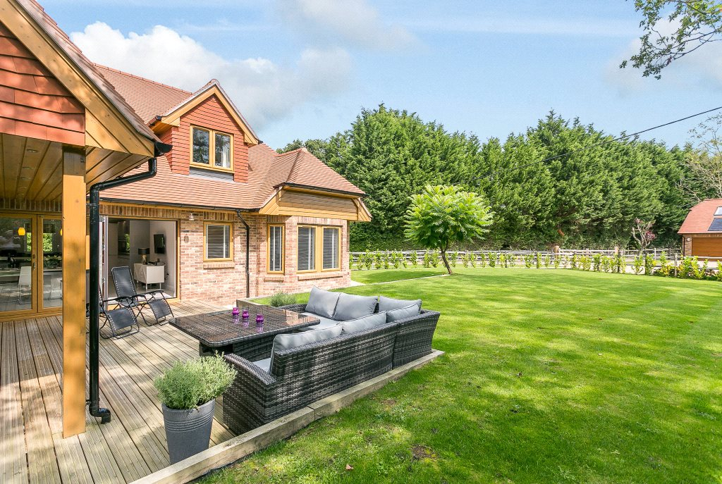 Additional photo for property listing at West Chiltington Lane, Coneyhurst, Billingshurst, West Sussex, RH14 Billingshurst, Inghilterra