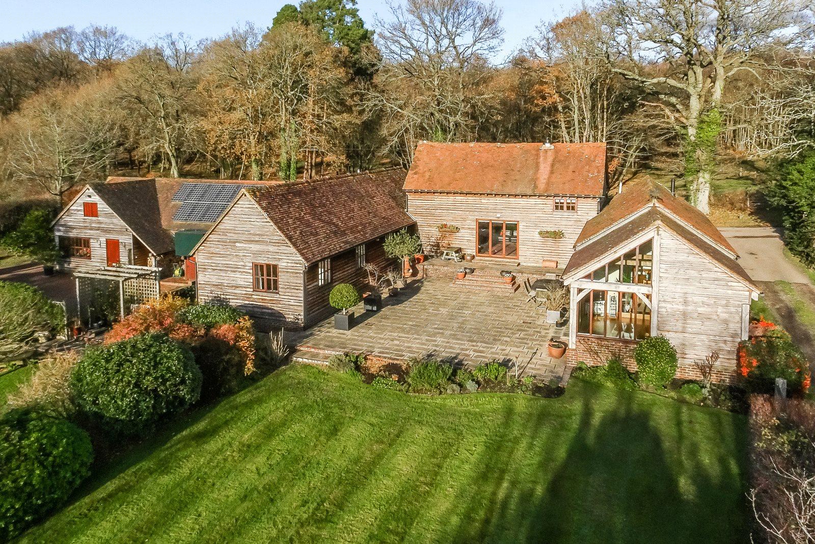 Vivienda unifamiliar por un Venta en Mill Lane, Lower Beeding, Horsham, West Sussex, RH13 Horsham, Inglaterra