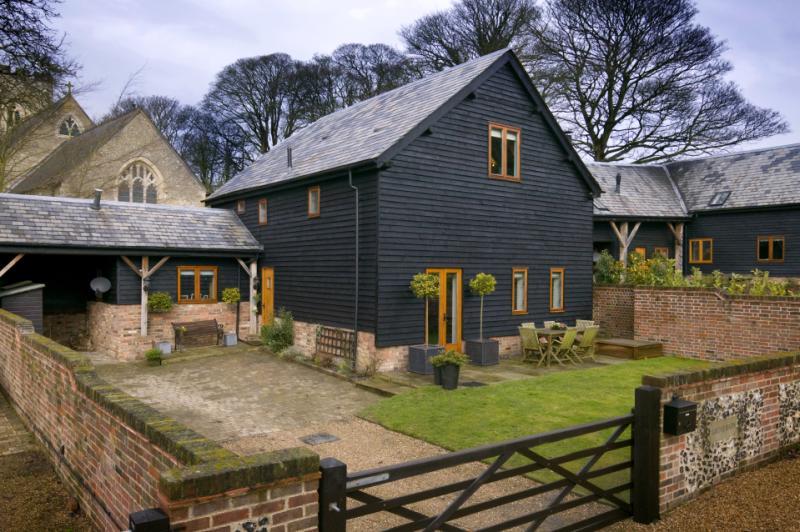 獨棟家庭住宅 為 出售 在 St. Marys Court, Church End, Kensworth, Bedfordshire, LU6 Kensworth, 英格蘭