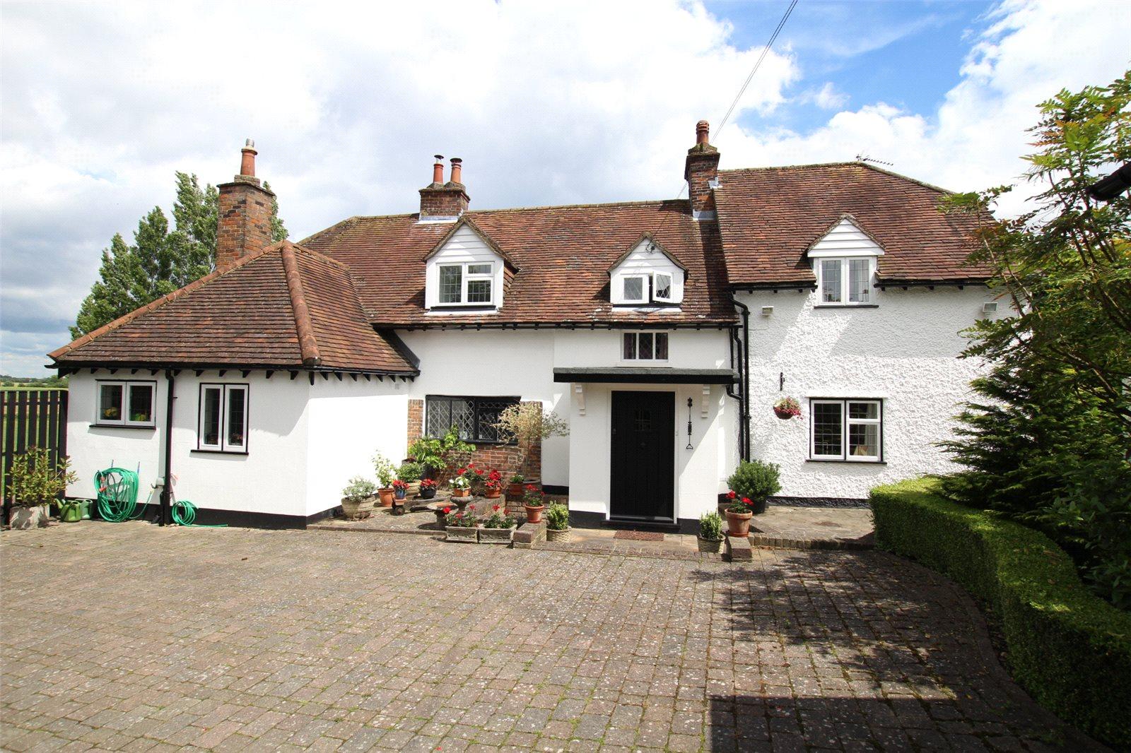Villa per Vendita alle ore Common Road, Kensworth, Bedfordshire, LU6 Kensworth, Inghilterra