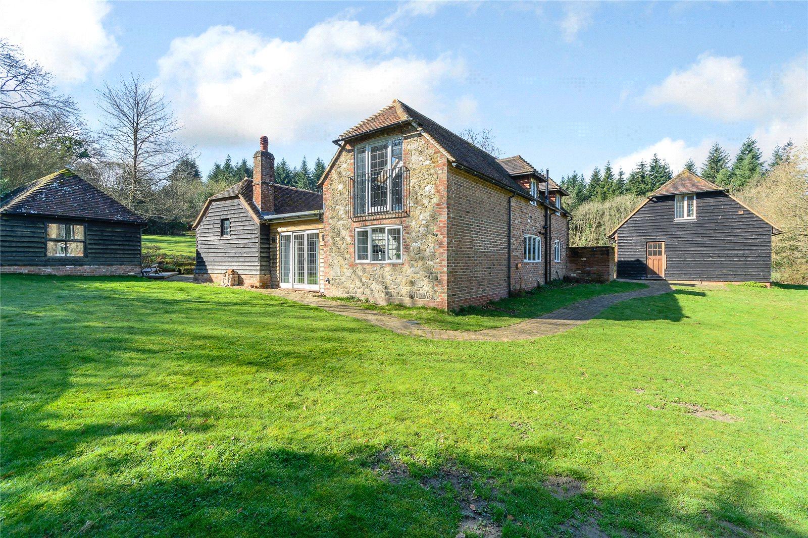 Villa per Vendita alle ore Henley Hill, Henley, Haslemere, Surrey, GU27 Haslemere, Inghilterra