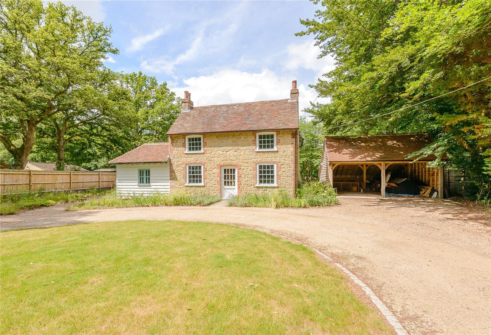 단독 가정 주택 용 매매 에 Hollywater Road, Hollywater, Hampshire, GU35 Hollywater, 영국