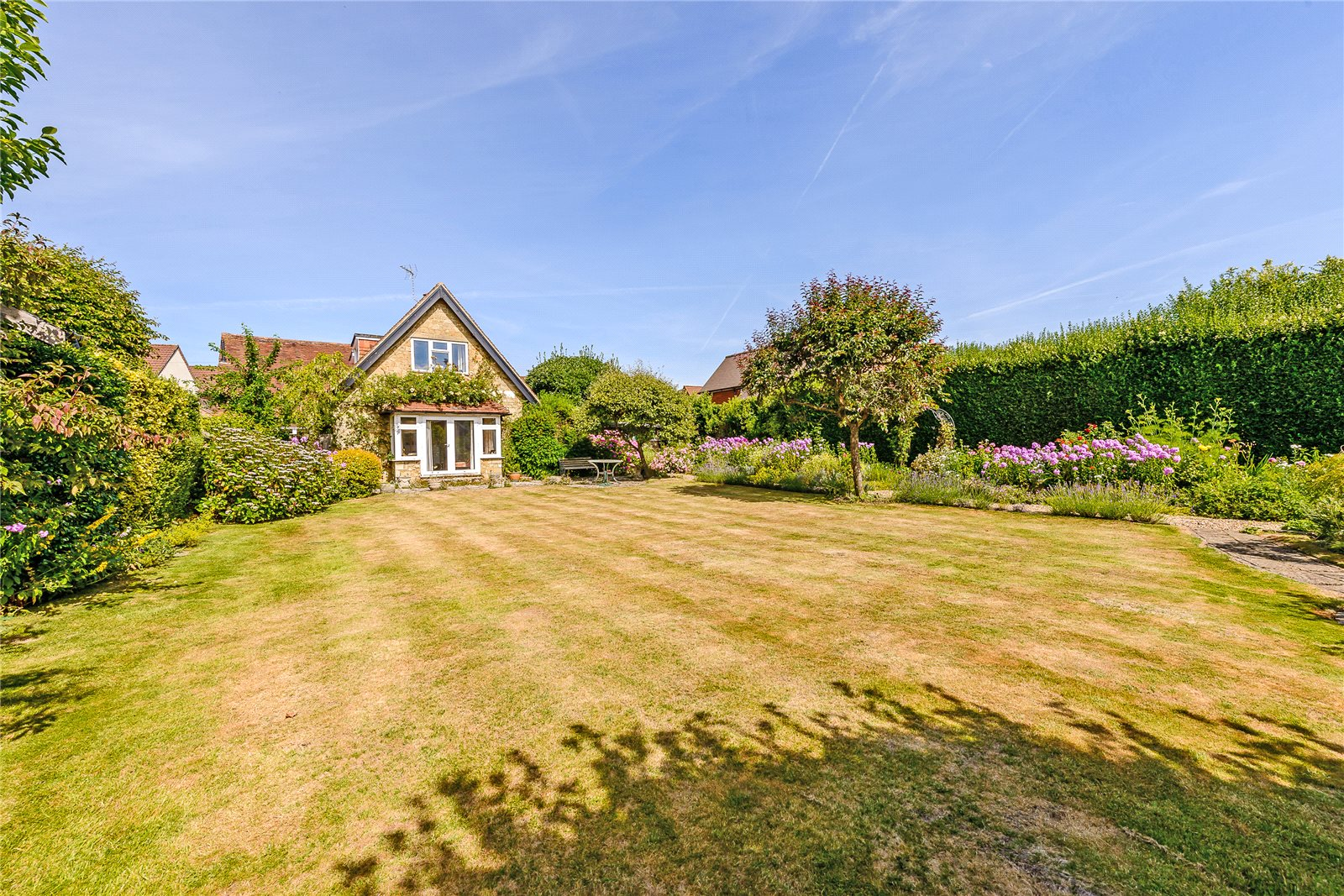 Villa per Vendita alle ore Weycombe Road, Haslemere, Surrey, GU27 Haslemere, Inghilterra