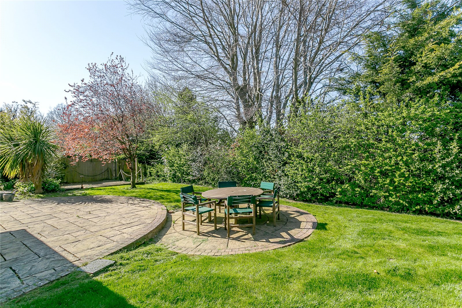 Additional Photo For Property Listing At Ontario Way Liphook Hampshire GU30