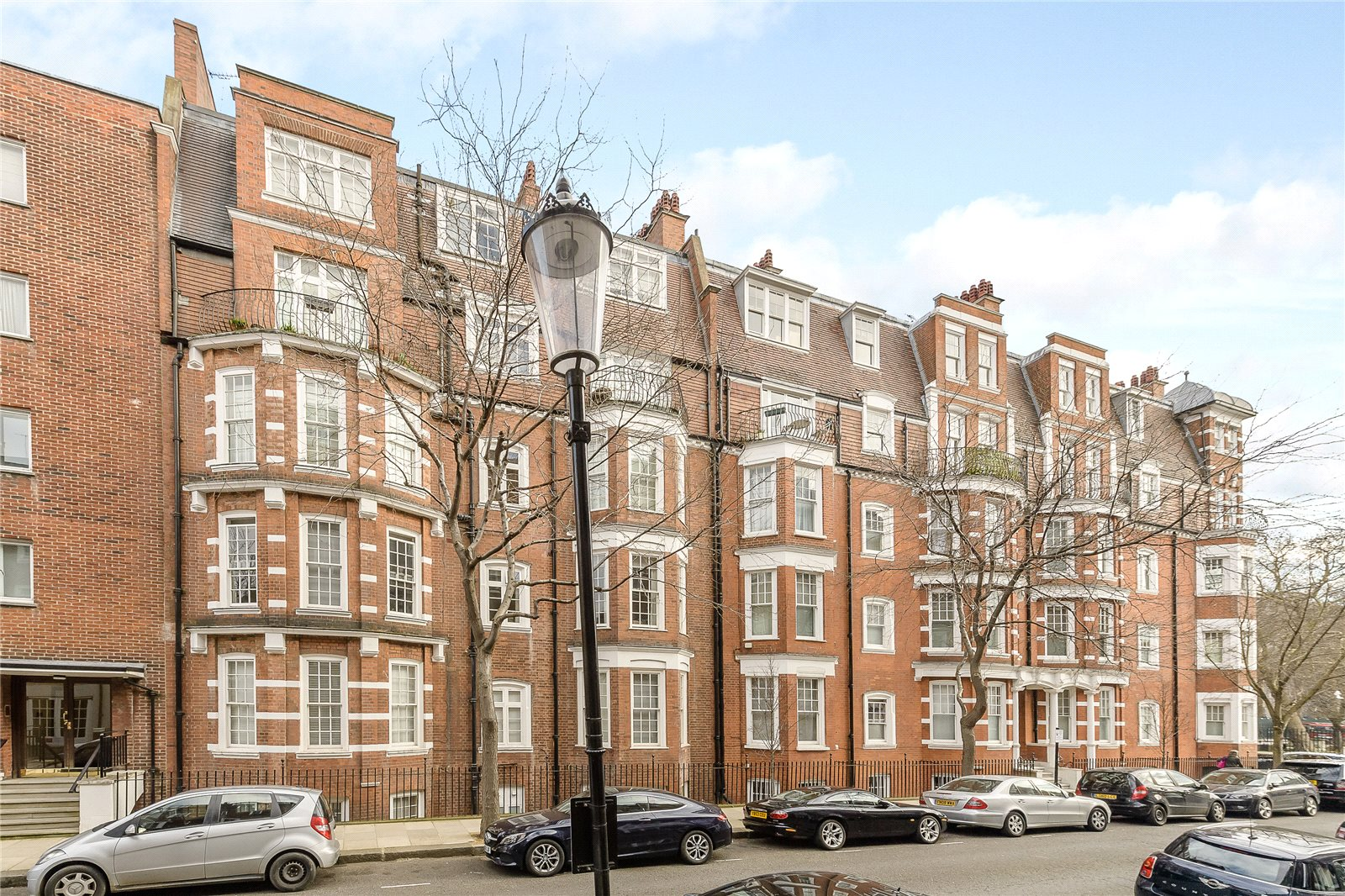 Apartments / Residences for Sale at Sloane Court East, London, SW3 London, England