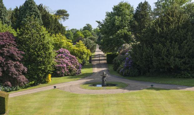 Additional photo for property listing at Woodmancote, Henfield, West Sussex, BN5 Henfield, England