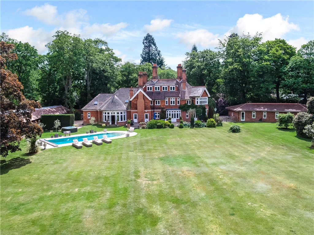 Single Family Home for Sale at Kings Ride, Ascot, Berkshire, SL5 Ascot, England