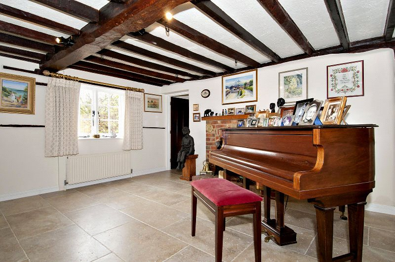 Additional photo for property listing at Westley Mill, Binfield, Bracknell, Berkshire, RG42 Bracknell, England