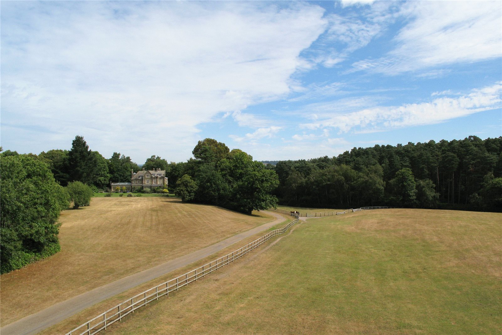 Additional photo for property listing at Graffham, Petworth, West Sussex, GU28 Petworth, Ingiltere