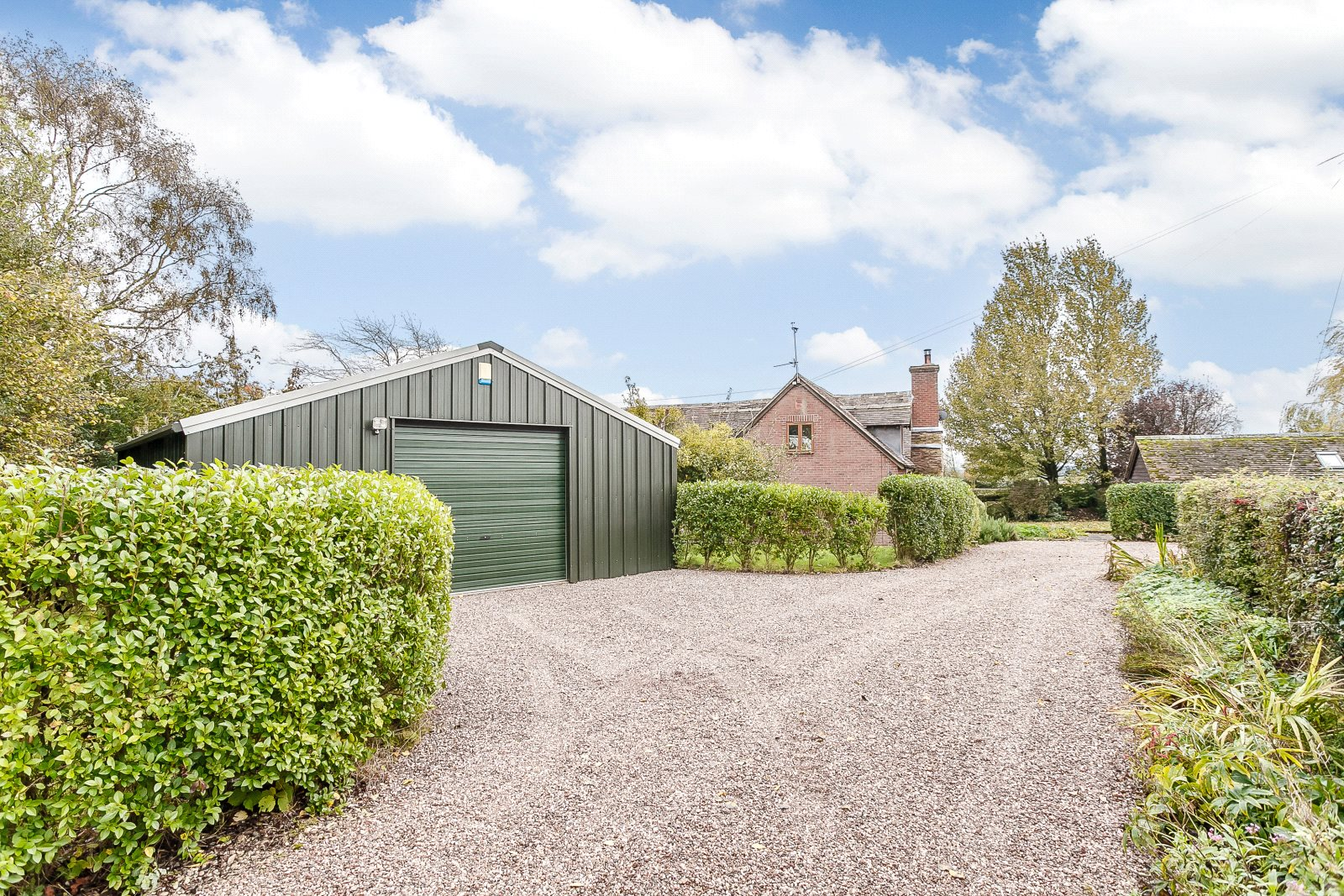 Additional photo for property listing at Cleobury Mortimer, Kidderminster, Worcestershire, DY14 Kidderminster, England