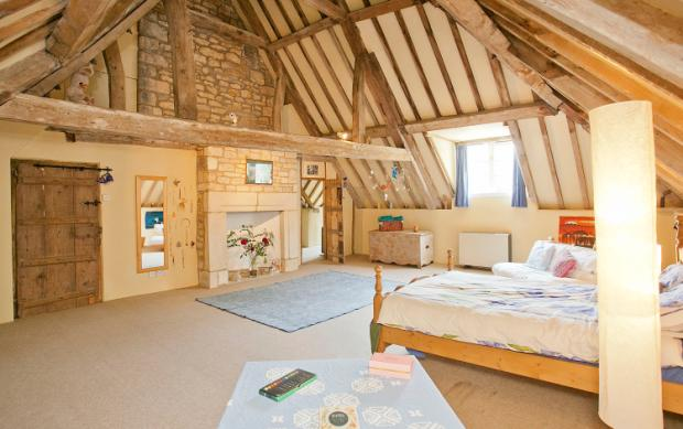 Additional photo for property listing at Market Place, Folkingham, Sleaford, Lincolnshire, NG34 Sleaford, England