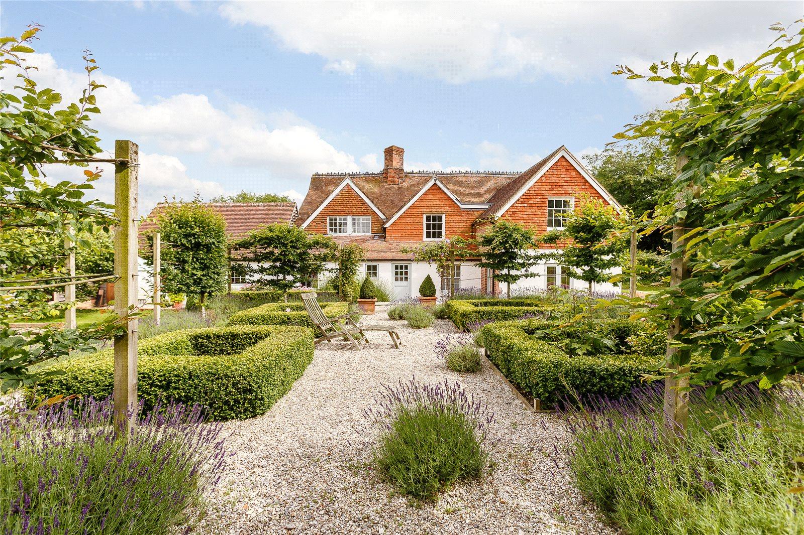 단독 가정 주택 용 매매 에 Gore End, Newbury, Berkshire, RG20 Newbury, 영국