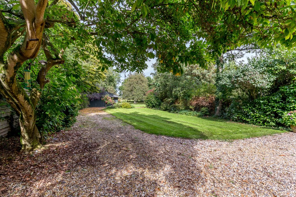 Additional photo for property listing at Wasing Road, Brimpton, Reading, Berkshire, RG7 Reading, Англия