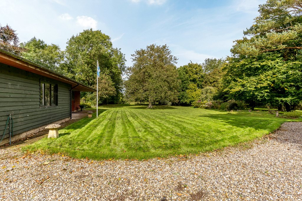 Additional photo for property listing at Wasing Road, Brimpton, Reading, Berkshire, RG7 Reading, Angleterre