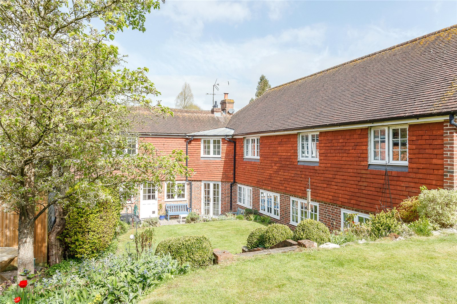 Частный дом для того Продажа на The Dene, Hurstbourne Tarrant, Andover, Hampshire, SP11 Andover, Англия