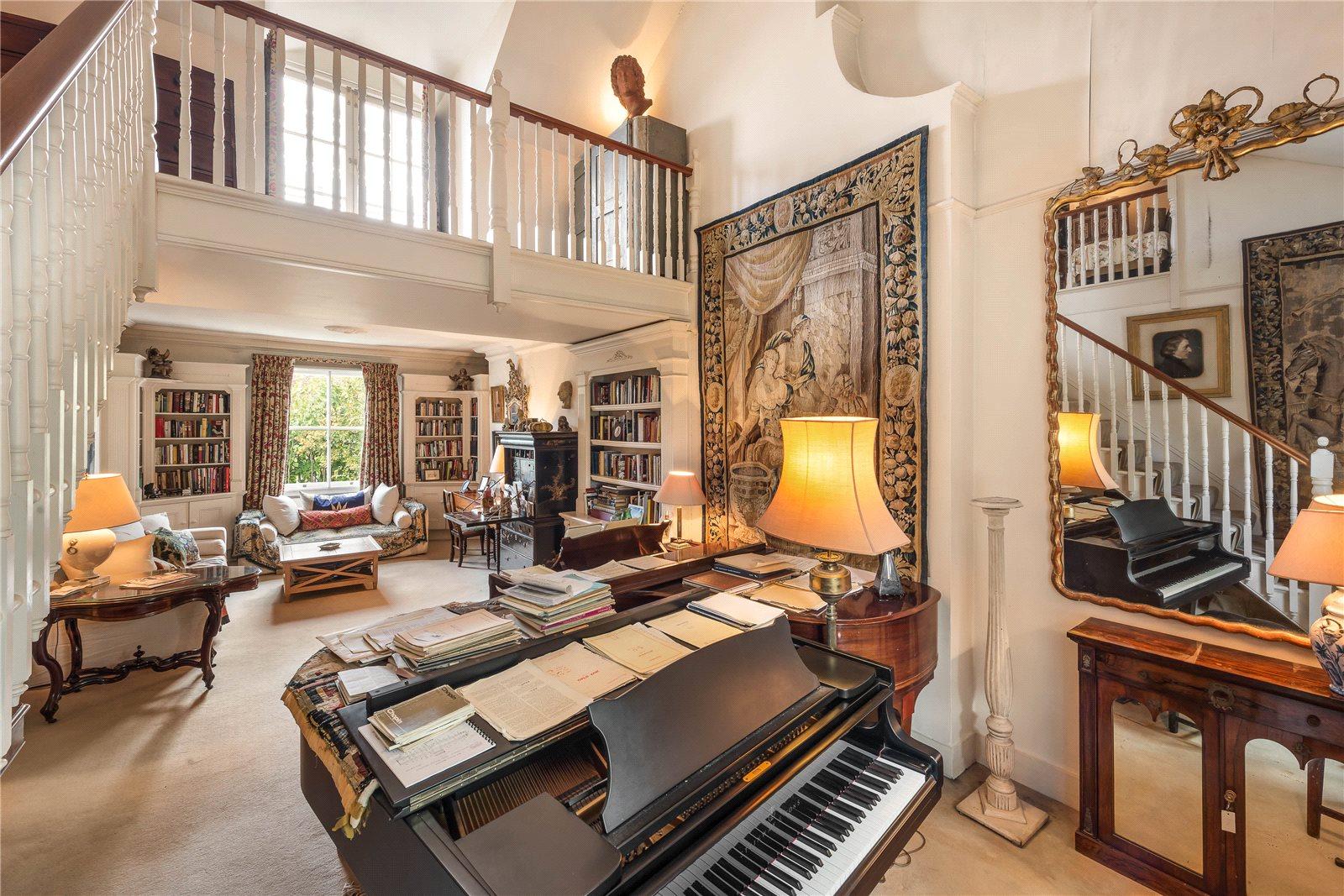 Μονοκατοικία για την Πώληση στο Bassett Road, North Kensington, London, W10 North Kensington, London, Αγγλια