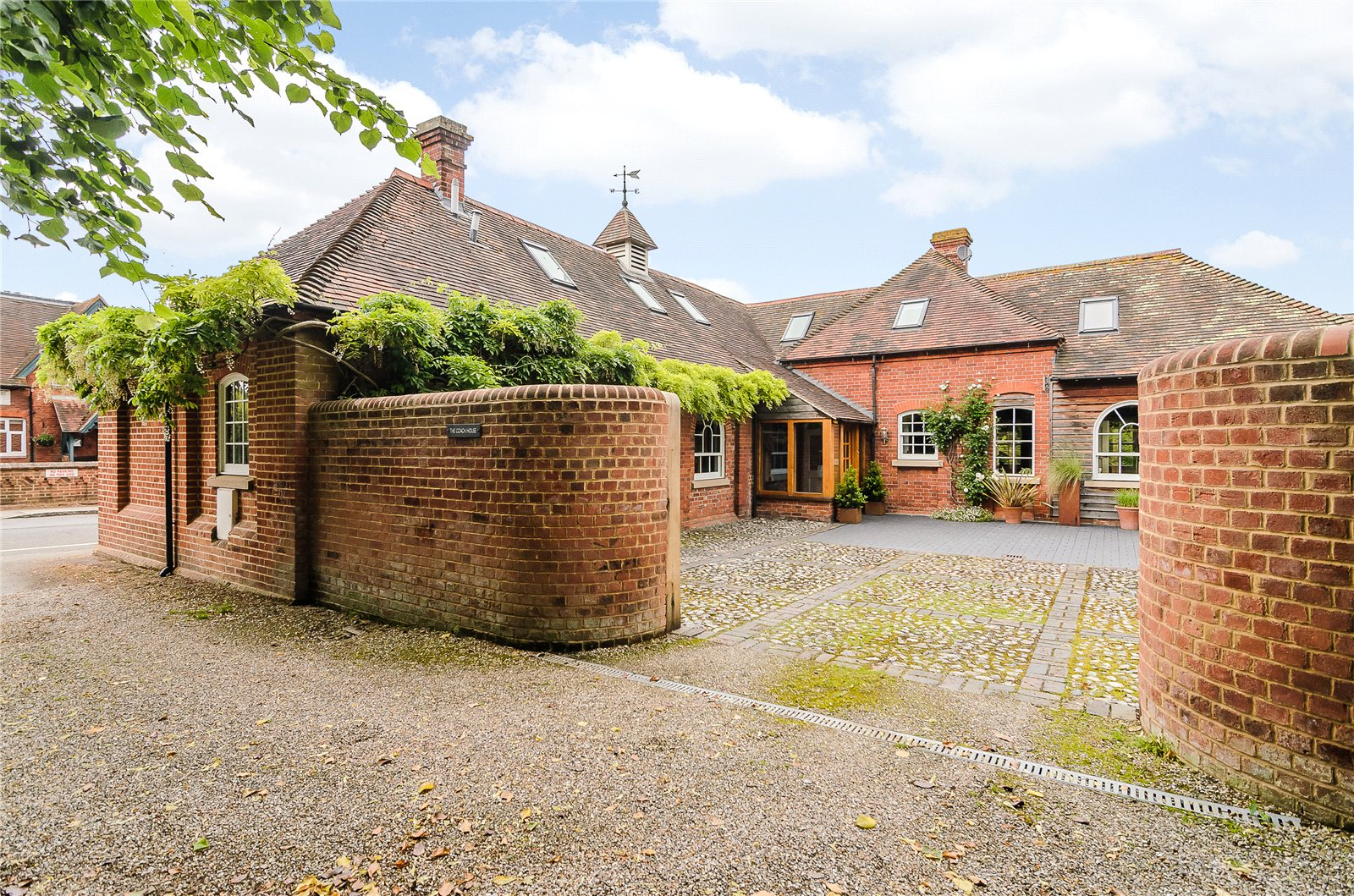Additional photo for property listing at Reading Road, Sherfield On Loddon, Hampshire, RG27 Sherfield On Loddon, Engeland