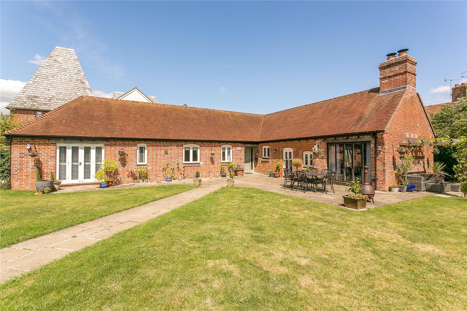 Additional photo for property listing at Hole Lane, Bentley, Nr. Farnham, Surrey, GU10 Surrey, Англия