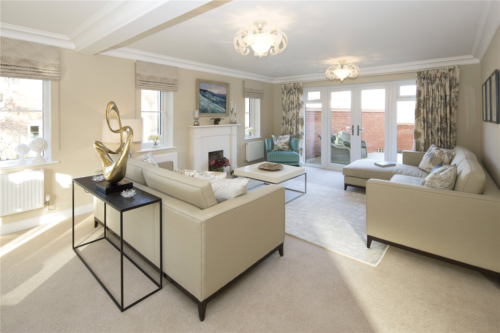 Additional photo for property listing at Fleet Road, Hartley Wintney, Hook, Hampshire, RG27 Hook, England