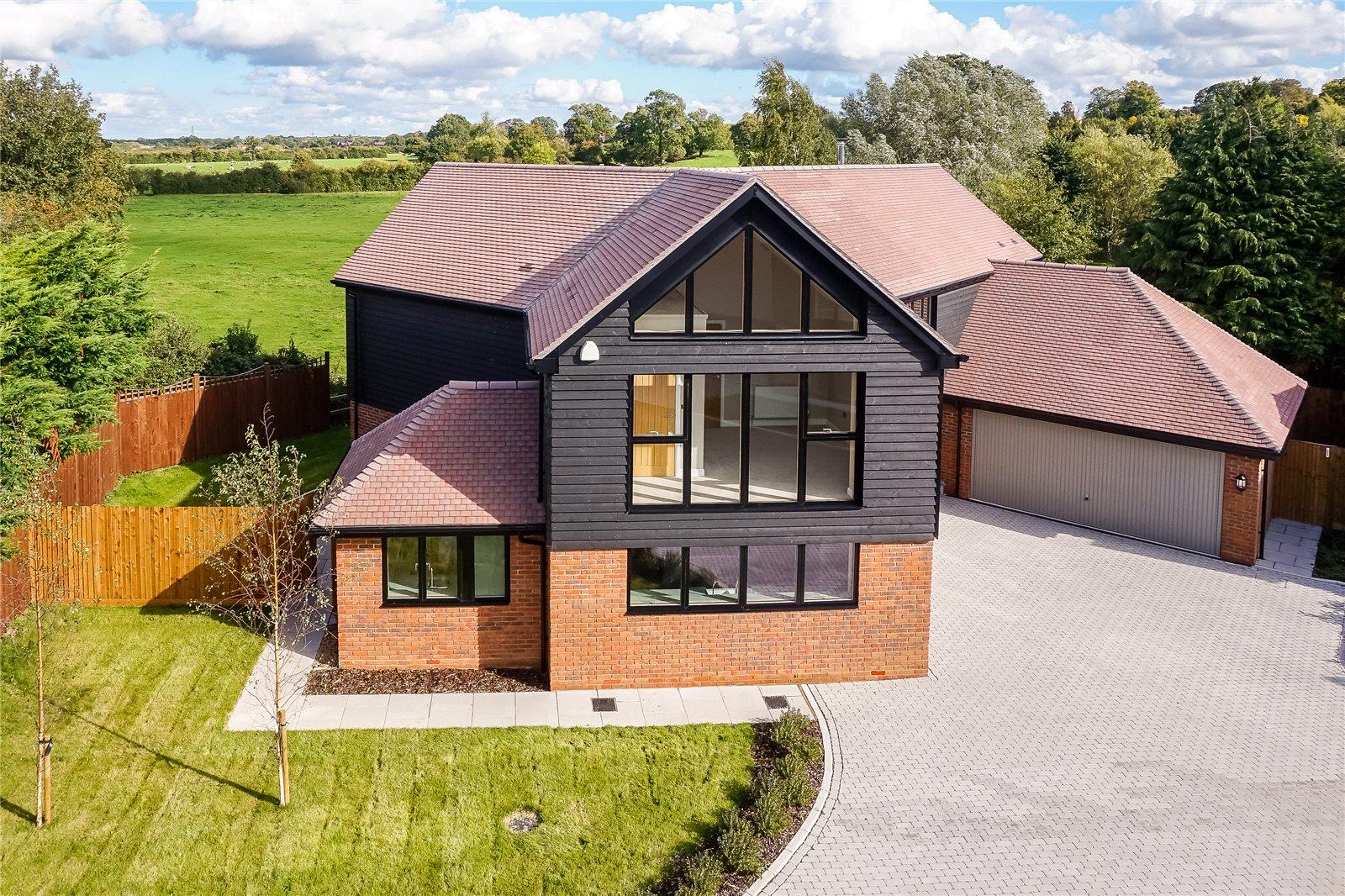 Einfamilienhaus für Verkauf beim Dunleys Hill, Odiham, Hook, Hampshire, RG29 Hook, England