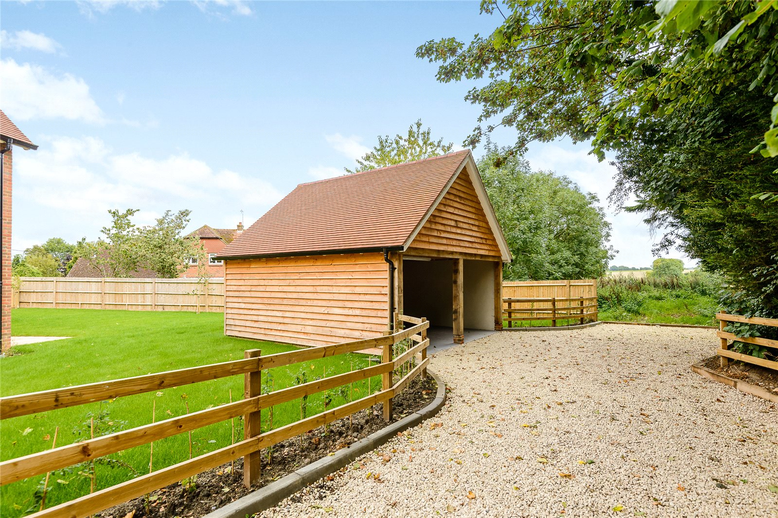 Additional photo for property listing at Manor Farm, Woodhill Lane, Hook, Hampshire, RG29 Hook, England