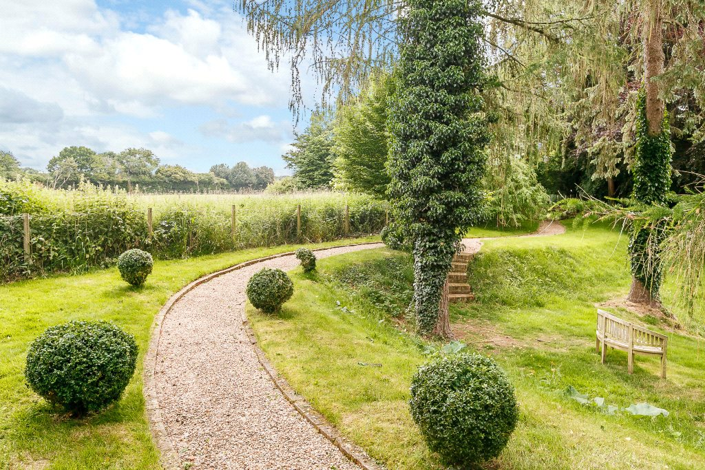 Additional photo for property listing at Kidmore Lane, Kidmore End, Reading, RG4 Reading, Ingiltere