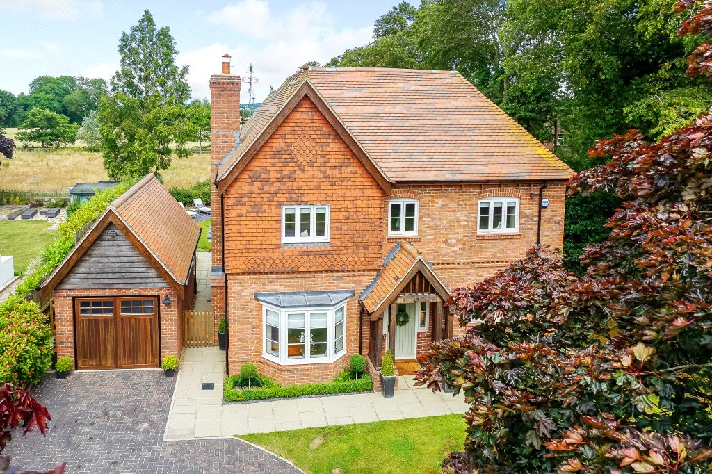 獨棟家庭住宅 為 出售 在 Upper Basildon, Reading, Berkshire, RG8 Reading, 英格蘭