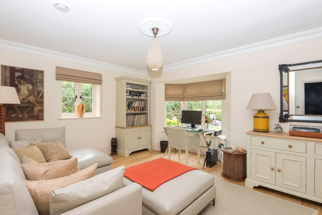Additional photo for property listing at Upper Basildon, Reading, Berkshire, RG8 Reading, Anh Quốc