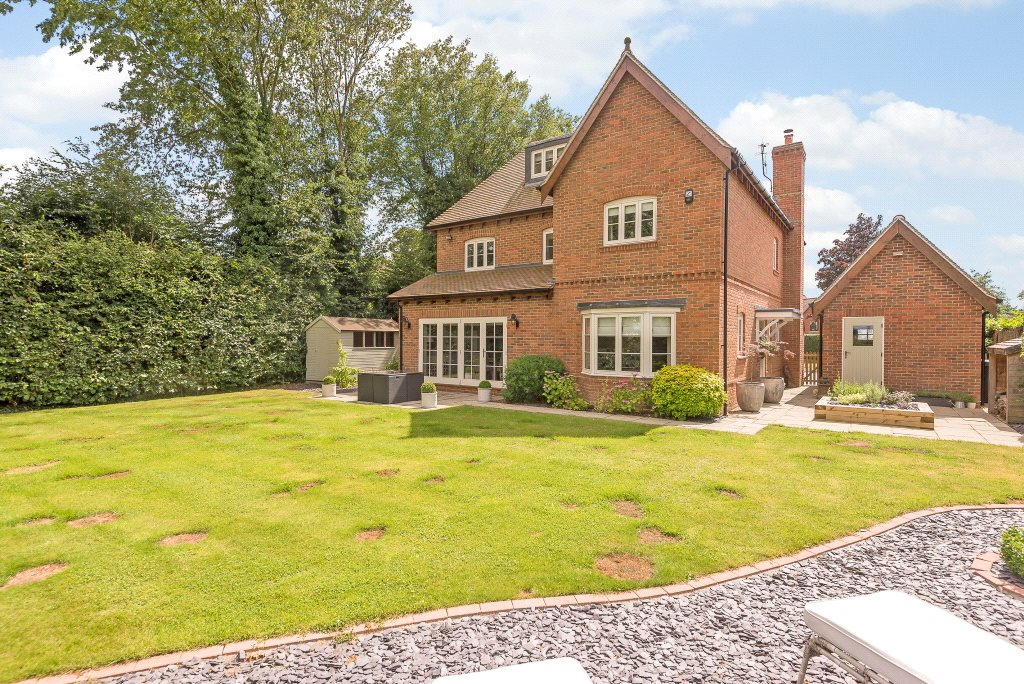 Additional photo for property listing at Upper Basildon, Reading, Berkshire, RG8 Reading, 英格蘭