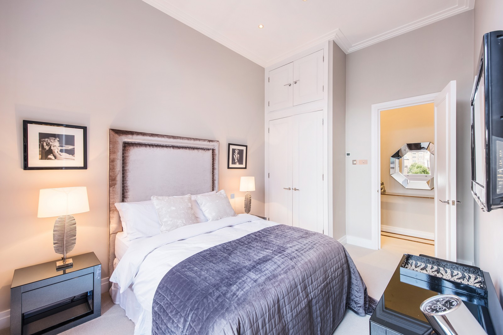 Additional photo for property listing at Cornwall Gardens Court, 47-50 Cornwall Gardens, London, SW7 London, 영국