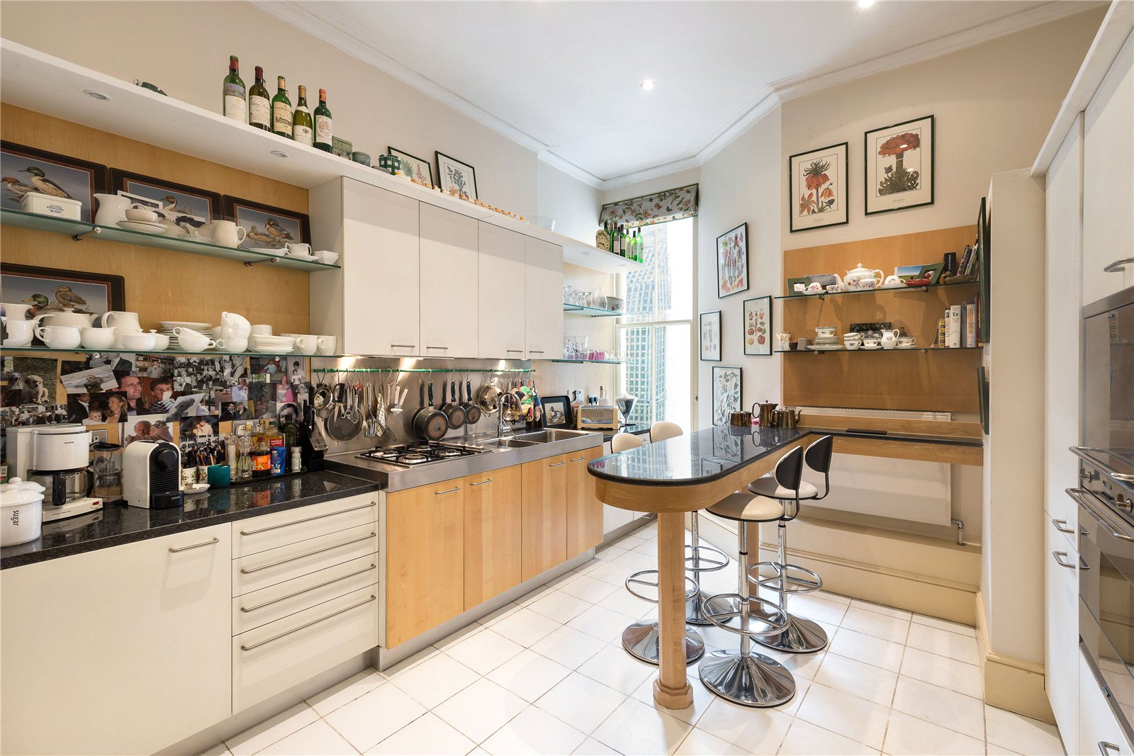Additional photo for property listing at Mount Street, London, W1K London, Angleterre