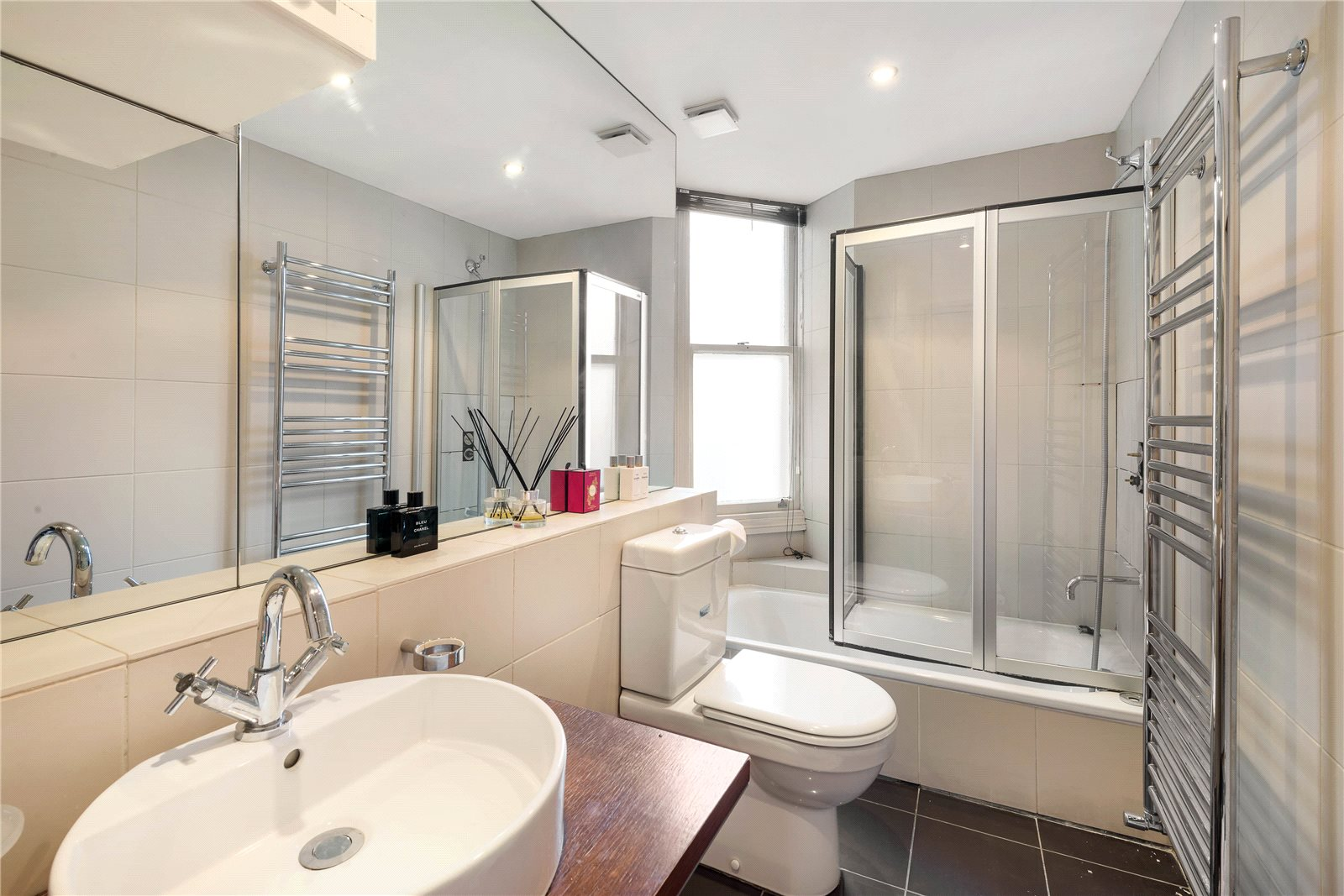 Additional photo for property listing at Sloane Gate Mansions, D'Oyley Street, London, SW1X London, 英格兰