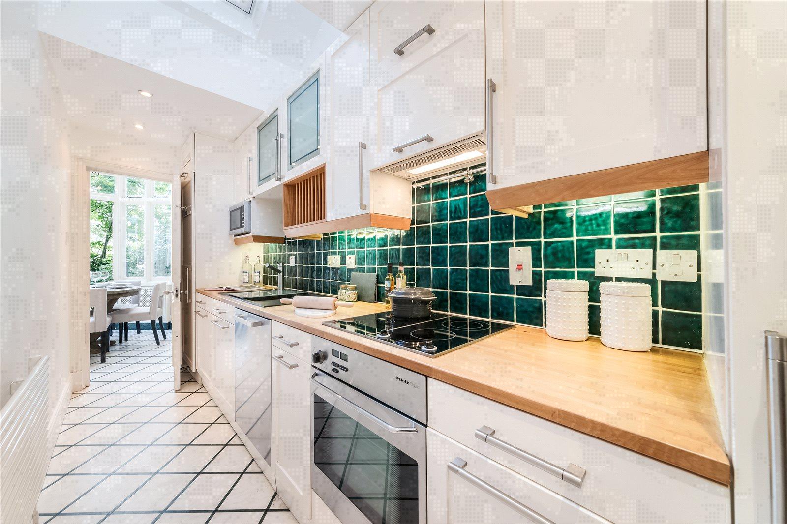 Additional photo for property listing at Cranley Gardens, South Kensington, London, SW7 South Kensington, London, Engeland