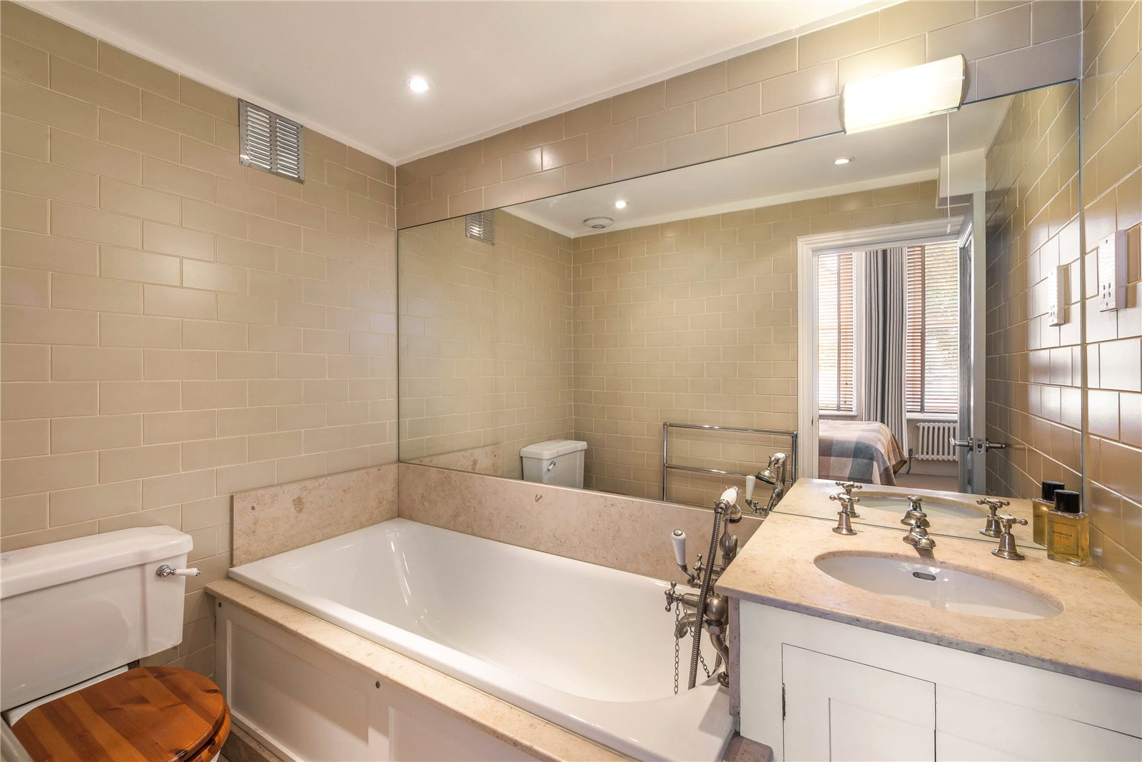 Additional photo for property listing at Cornwall Gardens, South Kensington, London, SW7 South Kensington, London, Inghilterra