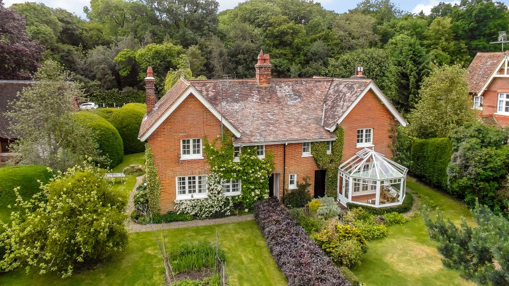 Single Family Home for Sale at Childwick Green, Childwickbury, St. Albans, Hertfordshire, AL3 St Albans, England